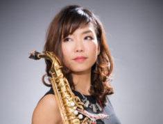 神戸新開地ジャズヴォーカルクィーンはサックス奏者でもある二刀流プレイヤー!