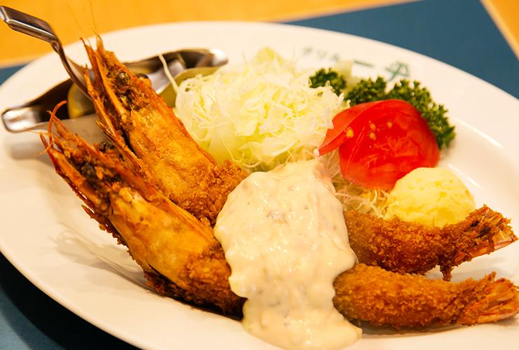 全国にその名を馳せる神戸洋食の名店「グリル一平 新開地本店」