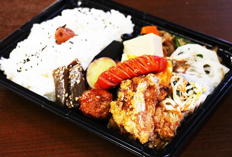 ほっと和める優しい味にお腹も心も満たされる、彩り豊かな手作りの惣菜が人気