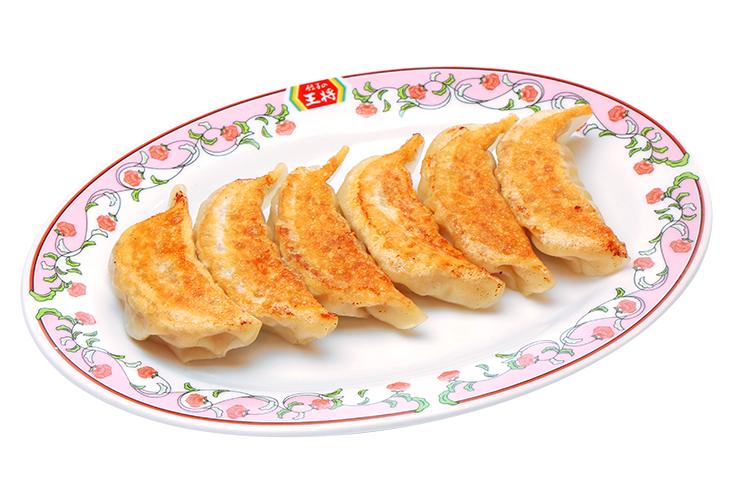 国産食材にこだわった餃子やスパイシーチキンが絶品!感染症対策が万全の王将でお腹いっぱい大満足。