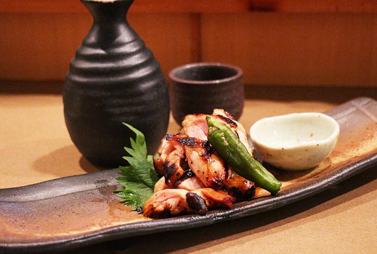 日本酒の品ぞろえは界隈でも随一。飲ませるアテも盛りだくさんの左党垂涎の居酒屋
