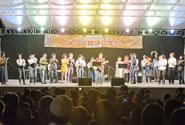 新開地音楽祭は、毎年5月の第二土日に行われる地区最大の祭り。毎年出演者だけで1000名を越え、約7万人の人手で賑わう