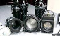主に演劇公演の照明効果やミニコンサートのライトアップとして利用できます
