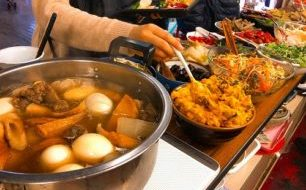 【1/11土曜マルシェ】今月のはっちゃんランチはジューシーチキンカツ+20種類のお惣菜。
